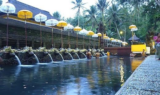 Tirta-Empul-temple bjt